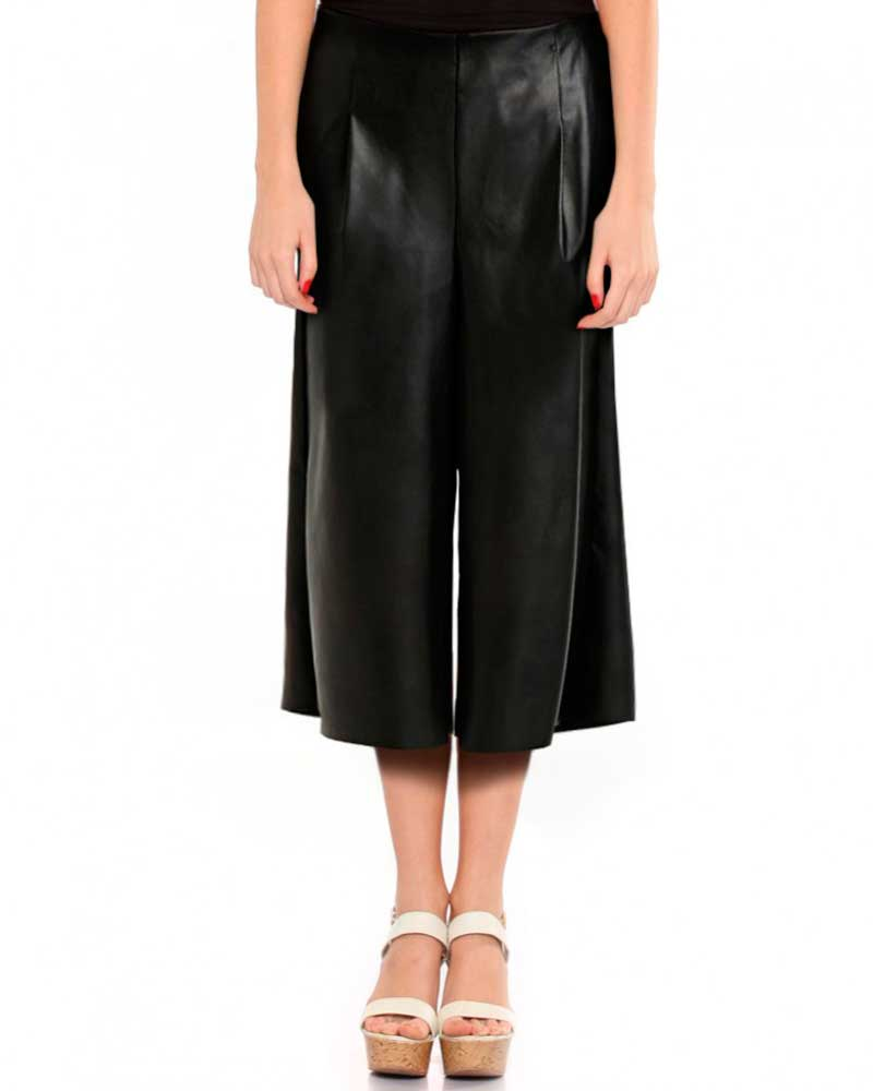 BLACK-WIDE-LEG-THREE-QUARTER-LEATHER-PANTS_front-e1450174561781-1
