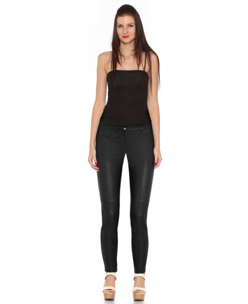 Black Leather Pants with Zipper Trendy and Sexy Leather Pants. You cannot go wrong with a sexy pair of leather pants a plain white tee and accent it with jewelry.